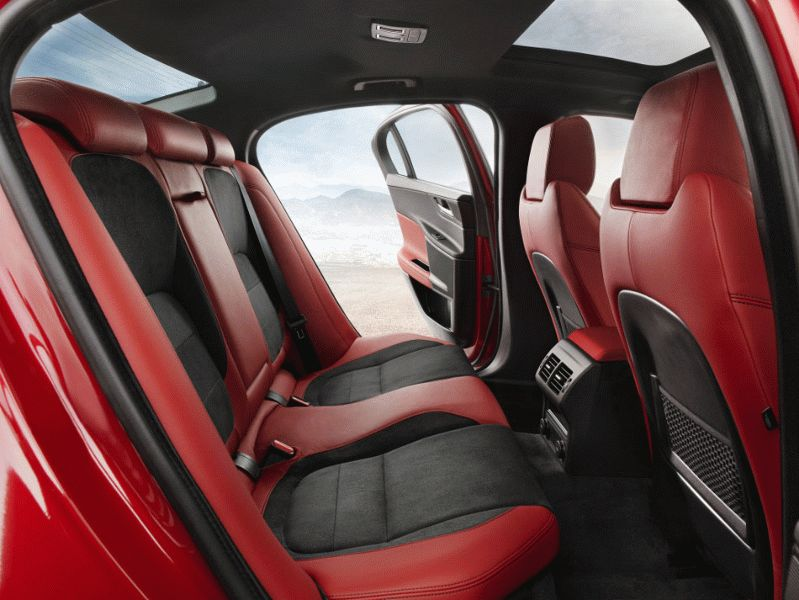 sedan jaguar  | konkretnyy jaguar xe 5 | Jaguar XE Sport (Ягуар ХЕ Cпорт) | Jaguar XE