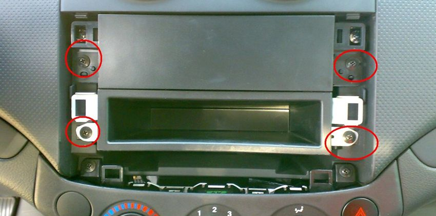 avtoremont    ustanovka 2 din magnitoly v zaz vida chevrolet aveo t 250 5   Установка 2 din магнитолы в ZAZ Vida/Chevrolet Aveo T 250   ЗАЗ Vida Chevrolet Aveo