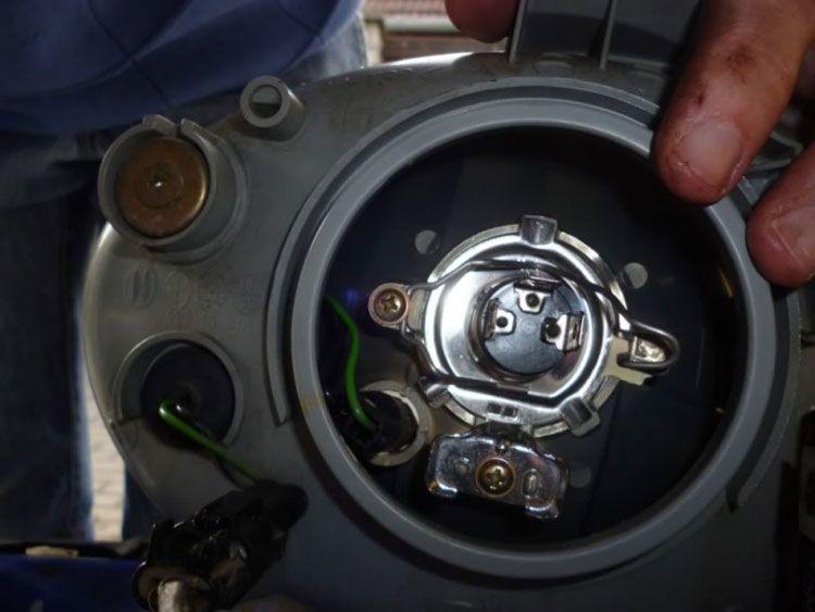avtoremont  | zamena lamp na daewoo matiz 4 | Замена ламп на Daewoo Matiz | Фары Daewoo Matiz