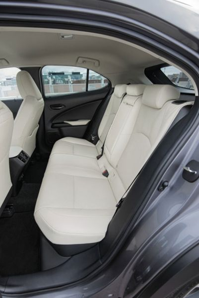 krossovery lexus  | lexus ux test drayv 5 | Lexus UX (Лексус ЮИкс) тест драйв | Тест драйв Lexus Lexus UX