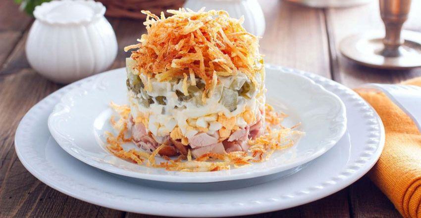 kulinariya    salat sloenyy nezhnyy 1   Салат слоеный Нежный   Салаты